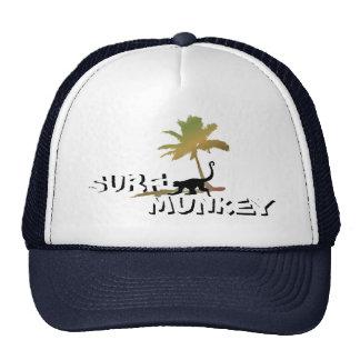 Munkey sur la conception de plage sur le casquette