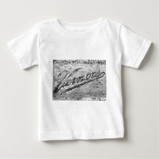 Mur de Vernors - Ann Arbor, Michigan T-shirt