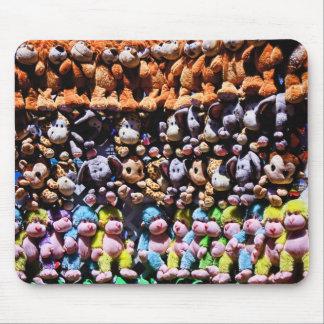 mur des peluches, mousepad tapis de souris