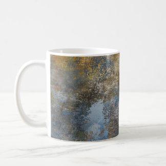 Mûre sur le béton mug blanc