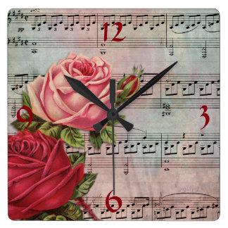 Musique de feuille avec l'horloge murale de roses horloge carrée
