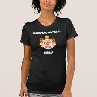 Na Mlavi, Serbie de Petrovac avec le manteau des T-shirt
