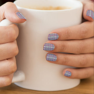 Nail art motif pop violet et bleu