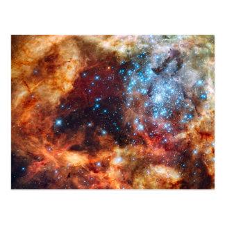 Naissance de carte postale cosmique d'étoiles