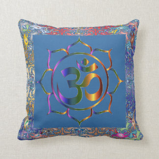 Namaste Aum OM et Lotus avec la frontière de cru Coussin