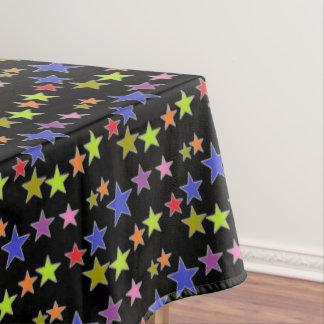 Nappe Étoiles colorées sur l'amusement noir