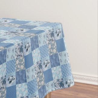 Nappe florale bleue de patchwork