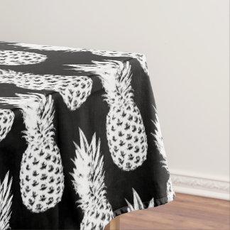 Nappe noire tropicale de motif de fruit d'ananas