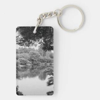 Nature et lac noirs et blancs, frais, uniques porte-clefs