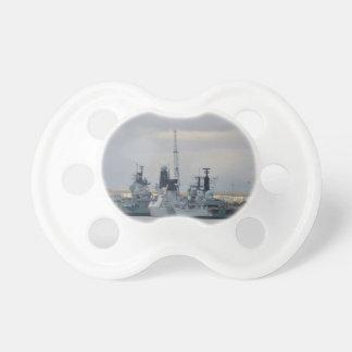 Navires de guerre à Portsmouth Sucette Pour Bébé