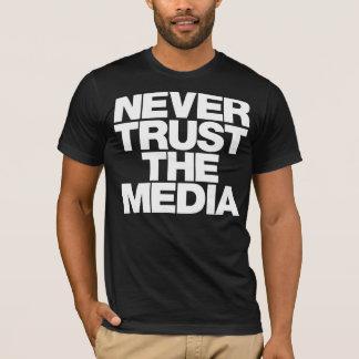 Ne faites jamais confiance à la chemise de médias t-shirt