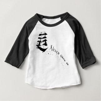Ne grandissez jamais la chemise de bateau de t-shirt pour bébé