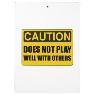 Ne joue pas bien avec d'autres