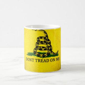 Ne marchez pas sur moi le drapeau de Gadsden - Mug