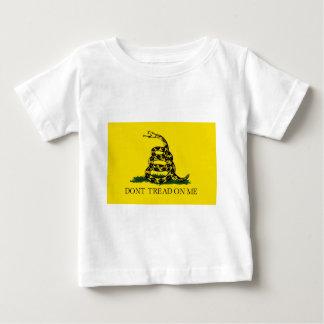 NE MARCHEZ PAS SUR MOI, le drapeau de Gadsden T-shirt Pour Bébé
