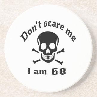 Ne m'effrayez pas que j'ai 68 ans dessous de verre