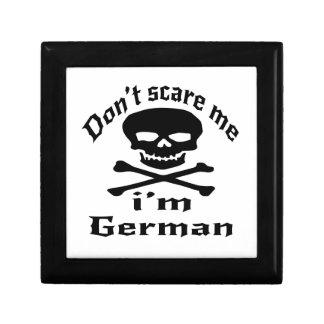 Ne m'effrayez pas que je suis allemand petite boîte à bijoux carrée