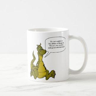 Ne mêlez pas dans les affaires des dragons mug