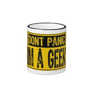 Ne paniquent pas le signe Im un geek - jaune noir Tasse