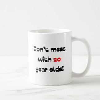 Ne salissez pas avec 20 ans tasses à café