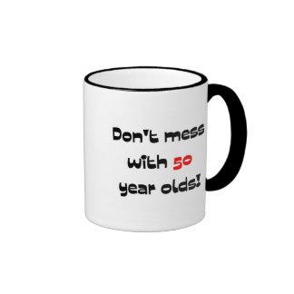 Ne salissez pas avec 50 ans mug ringer