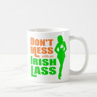 Ne salissez pas avec une jeune fille irlandaise -  mug à café