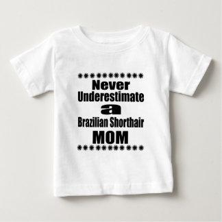 Ne sous-estimez jamais la maman de Shorthair de T-shirt Pour Bébé