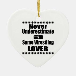 Ne sous-estimez jamais l'amant de lutte de sumo ornement cœur en céramique