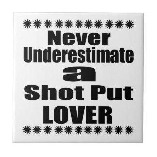 Ne sous-estimez jamais l'amant mis par tir carreau