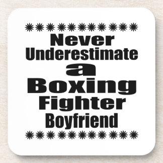Ne sous-estimez jamais l'ami de combattant de boxe sous-bocks