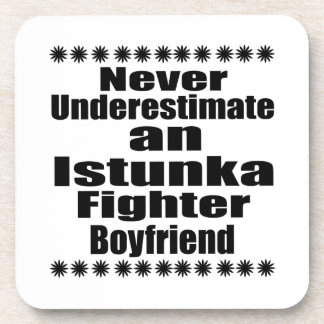 Ne sous-estimez jamais l'ami de combattant sous-bock