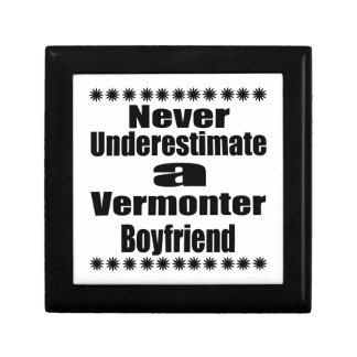 Ne sous-estimez jamais l'ami de Vermonter Petite Boîte À Bijoux Carrée