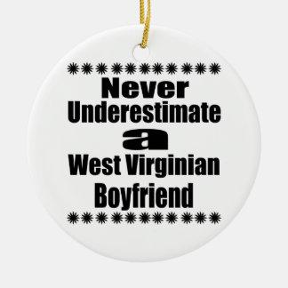 Ne sous-estimez jamais l'ami de Virginian Ornement Rond En Céramique