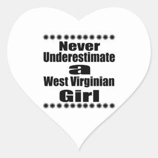 Ne sous-estimez jamais l'amie de Virginian Sticker Cœur
