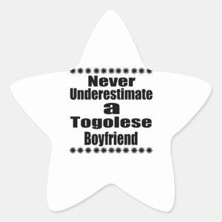 Ne sous-estimez jamais un ami togolais sticker étoile