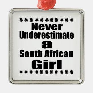 Ne sous-estimez jamais une amie sud-africaine ornement carré argenté