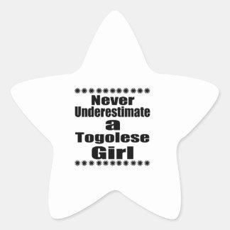 Ne sous-estimez jamais une amie togolaise sticker étoile