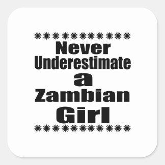 Ne sous-estimez jamais une amie zambienne sticker carré