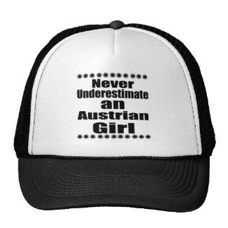 Ne sous-estimez jamais une fille autrichienne casquettes de camionneur