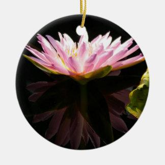 Nénuphar rose de Lotus Ornement Rond En Céramique