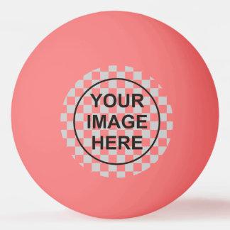 Nettoyez le rose de modèle balle de ping pong