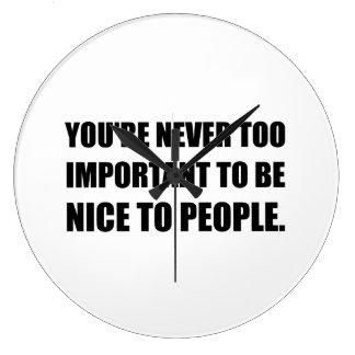 Nice personnes jamais trop importantes grande horloge ronde