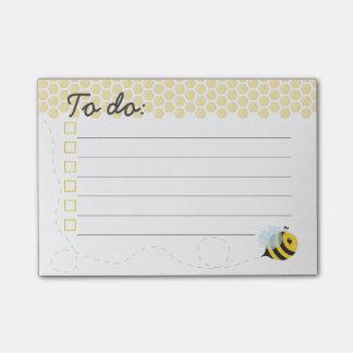 Nid d'abeilles jaune mignon d'abeille de miel de