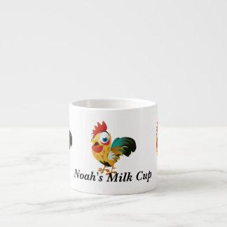 Noé réveillent les tasses mignonnes de lait de