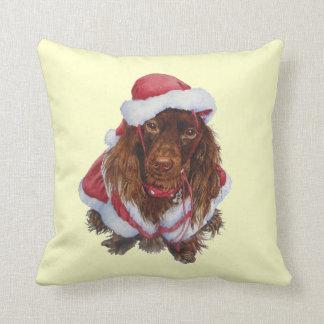 Noël réaliste d'art de chien brun mignon coussin