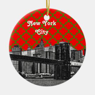Noël rouge de Grn Quatrefoil de pont de NYC Ornement Rond En Céramique