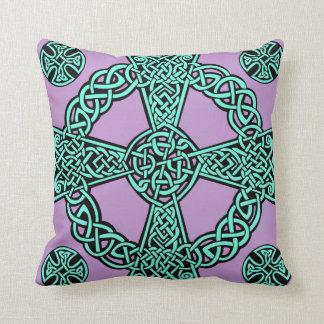 Noeud de lavande de turquoise de croix celtique oreiller