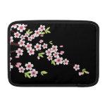 Noir avec les fleurs de cerisier roses et vertes S Poches Macbook