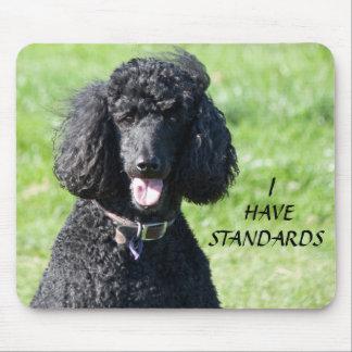 Noir de chien de caniche standard, mousepad de tapis de souris