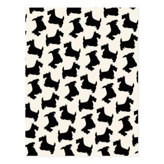 Noir de motif de chien de Scottie de Terrier Carte Postale